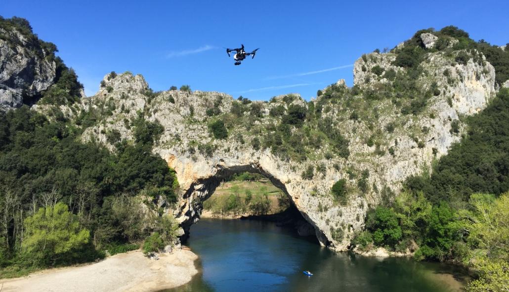 Le-pont-darc-par-drone