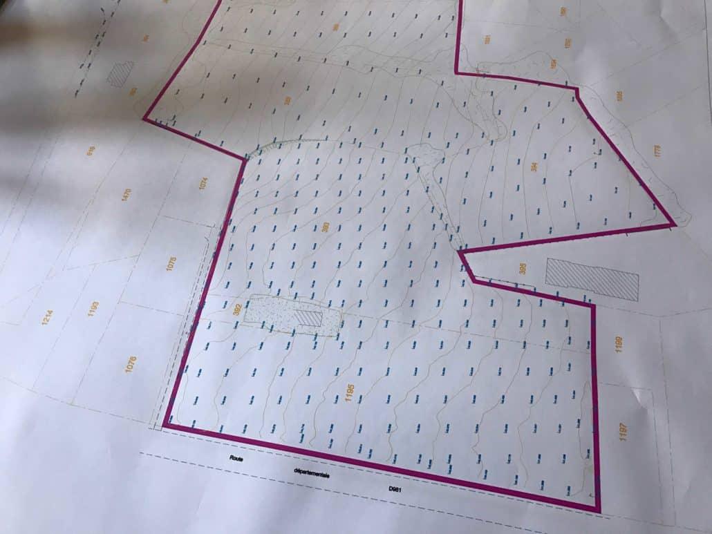 Dessins de plans topographiques pour les avants projets