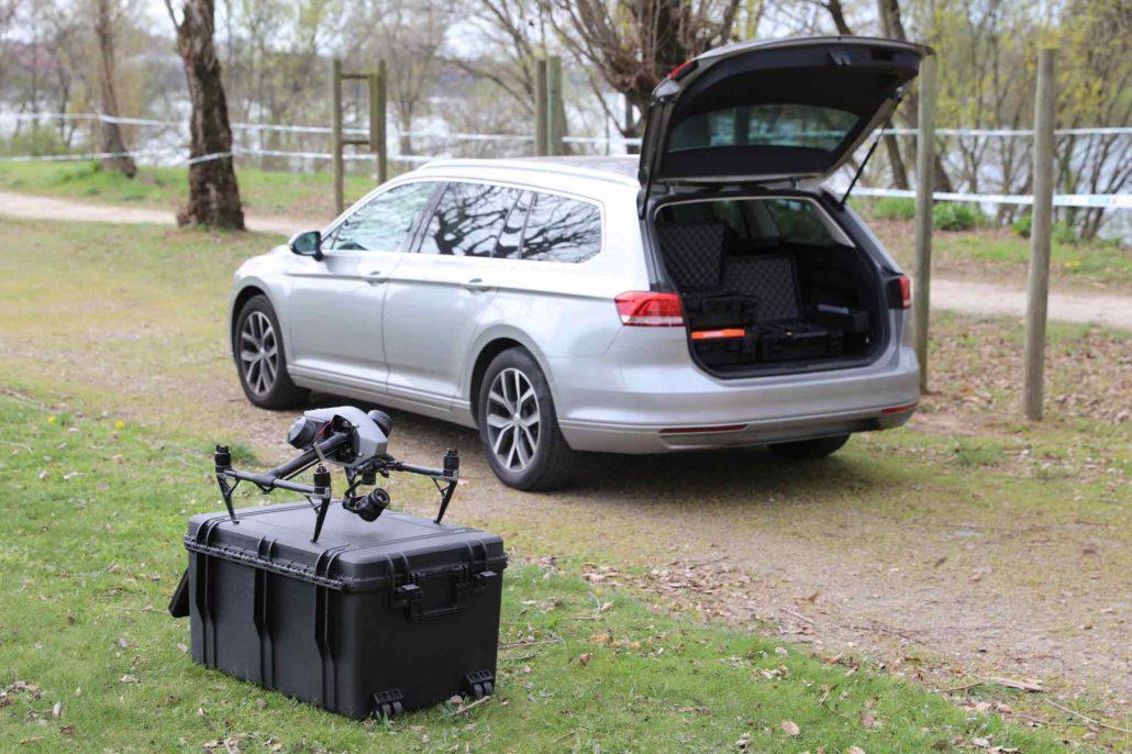 drone-et-accessoires-dans-des-caisses-ardèche-drone-