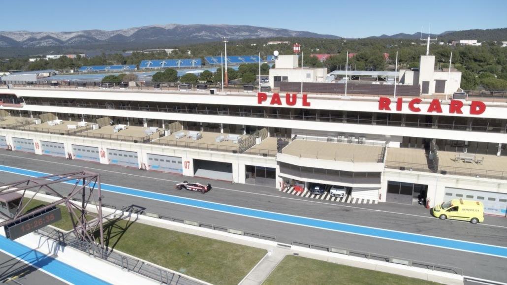 Vidéo Drone Suivi De Formule 1 Winfield Castellet | photos de drone au circuit Paul Ricard | drone automobile