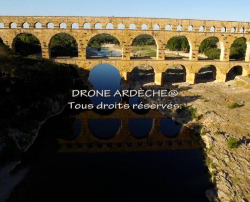 Pont du Gard par drone - vue aérienne du pont du gard - le pont du gard en hauteur - prestataire drone pont du gard