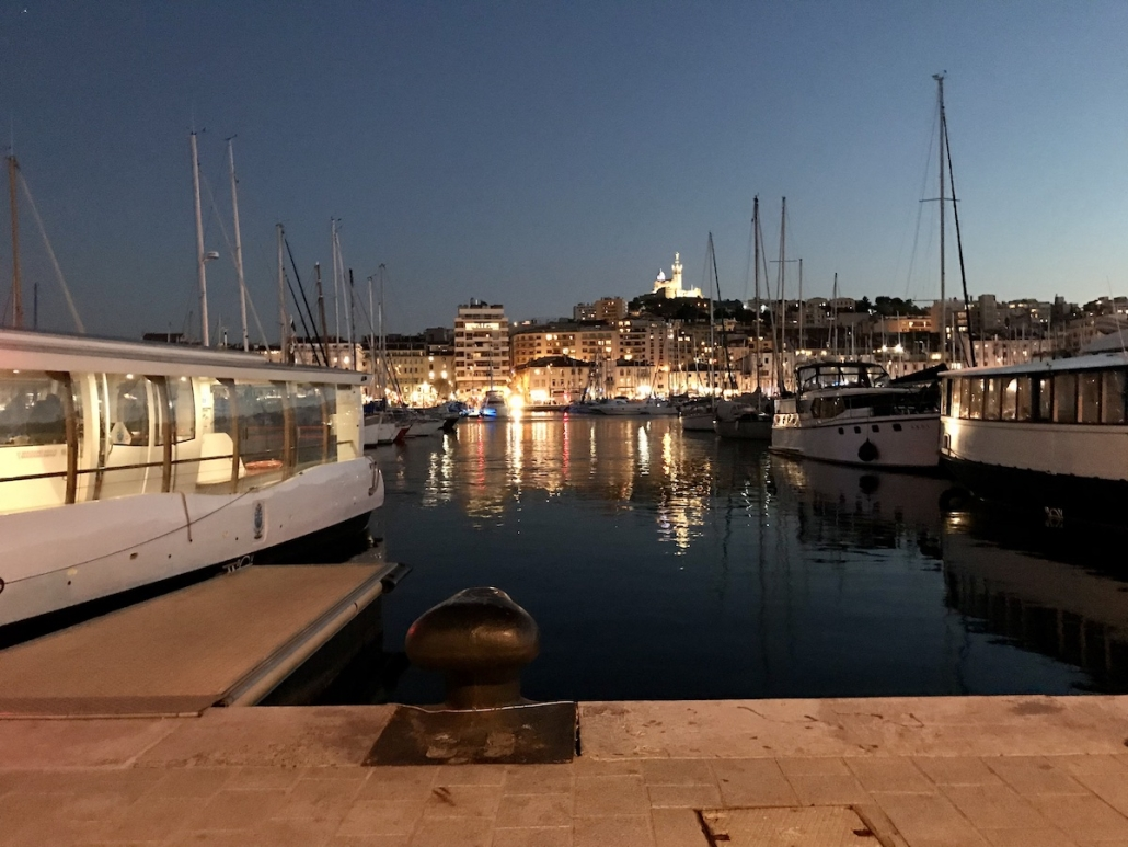 Pilote De Drone à Marseille | Vieux Port à La Tombée Du Jour