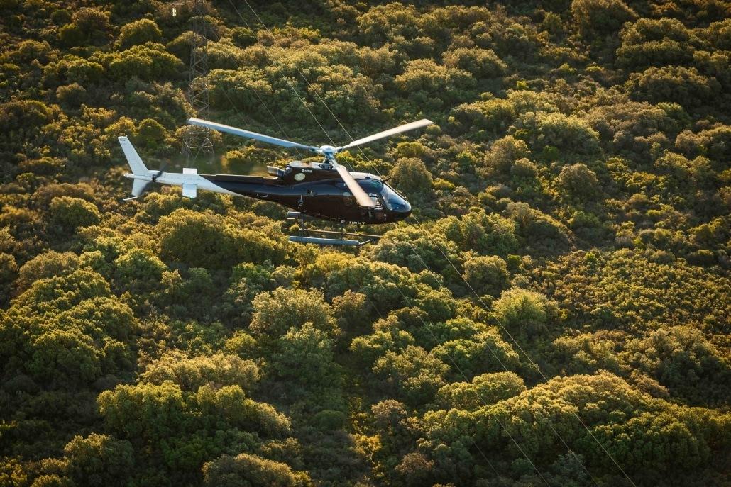AC 350 helicoptère en Ardèche 1030x687 - DRONE-ARDÈCHE s'associe pour des vidéos en Hélicoptère avec caméra