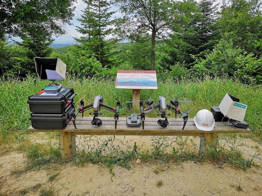 photo du matériel utilisé pour les inspections visuelles de parcs éoliens