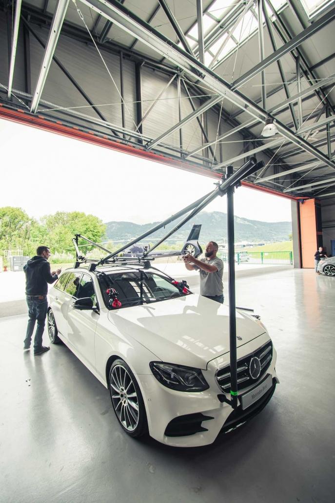 Travelling En Voiture Pour Suivis Automobiles