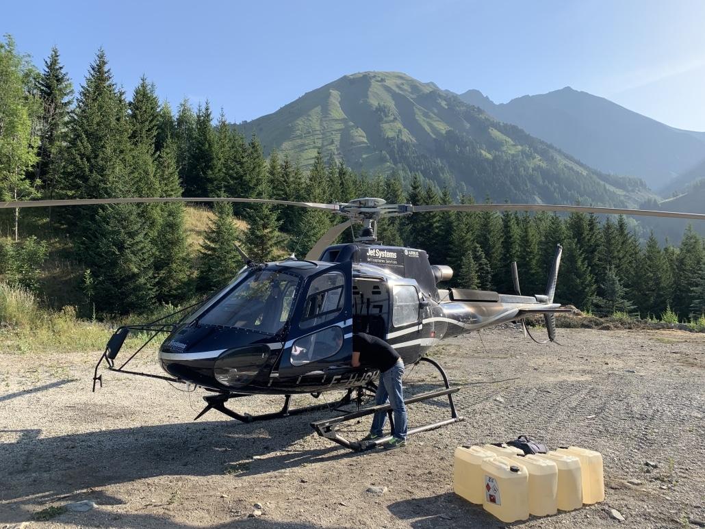 prise de vue aérienne par héliptère en rhone alpes ardèche