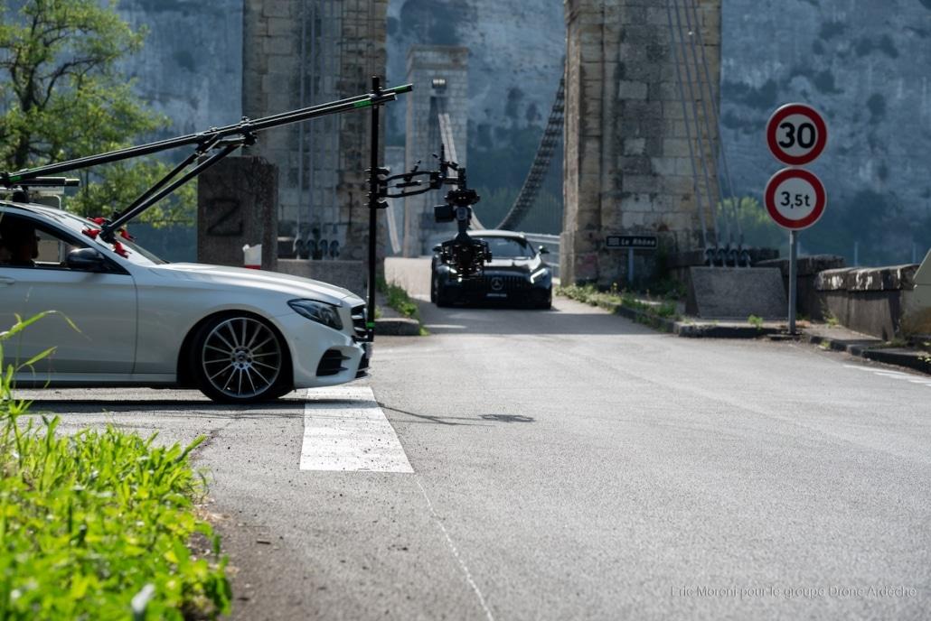 tournage d'une pub voiture blackarm flowciné pour suivi de vehicule avec fastcar | Production cinéma Lyon | Production publicité TV Lyon