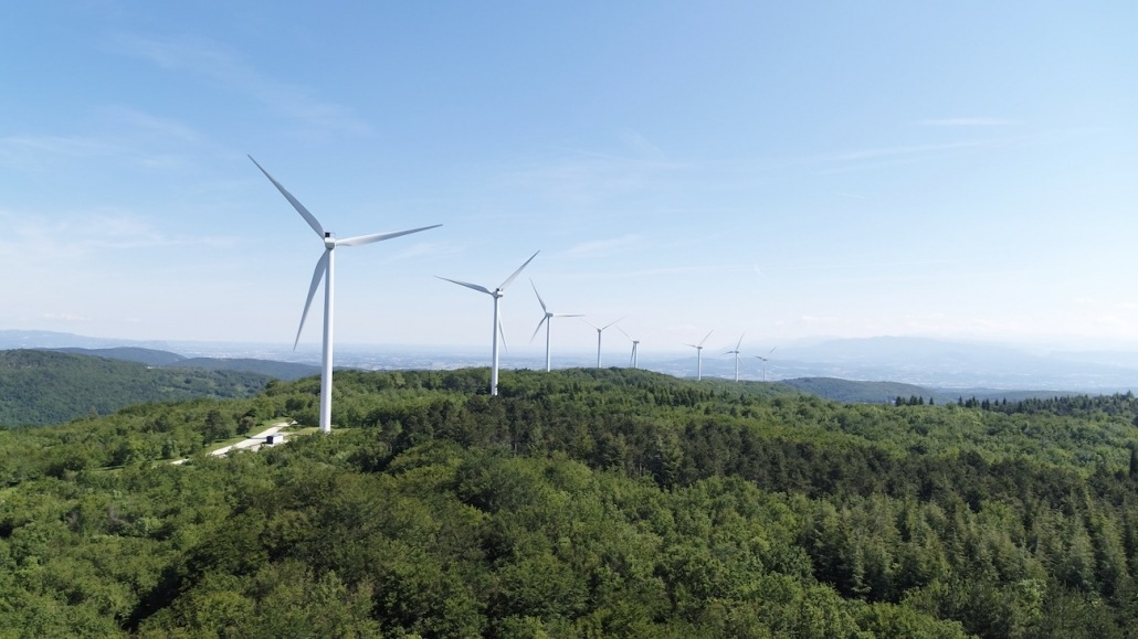 vidéo par drone d'éolienne pour télévisions