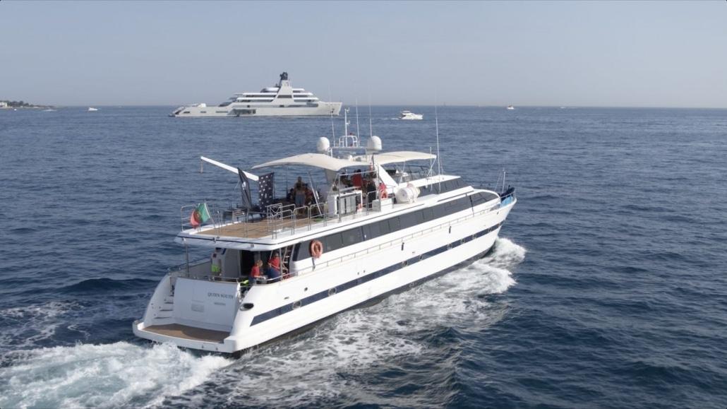 opérateur drone var suivi de yacht en mer
