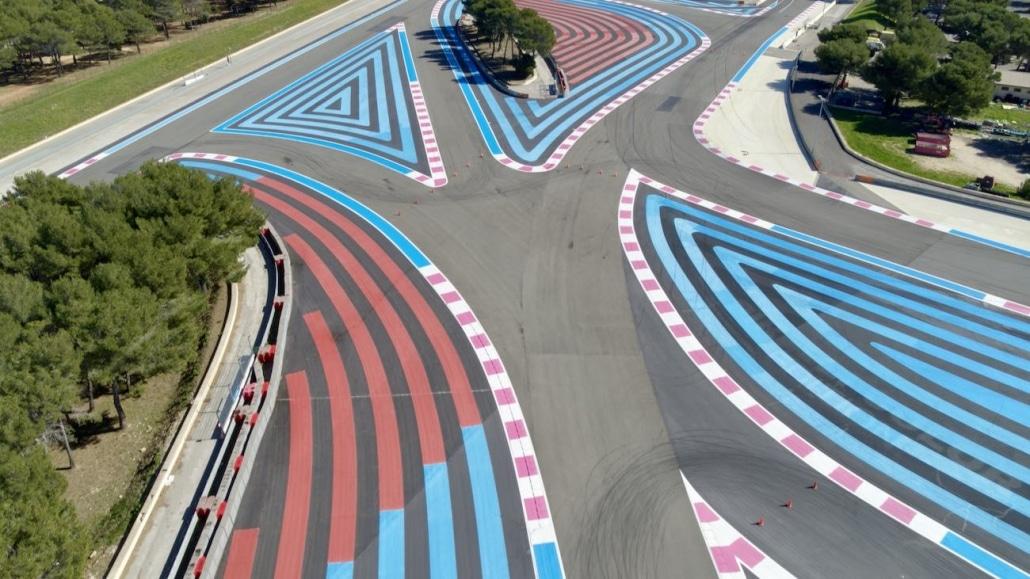 Photo Aérienne du s de la verrerie par drone sur le Circuit Du Grand Prix De France De Formule 1 | drone automobile