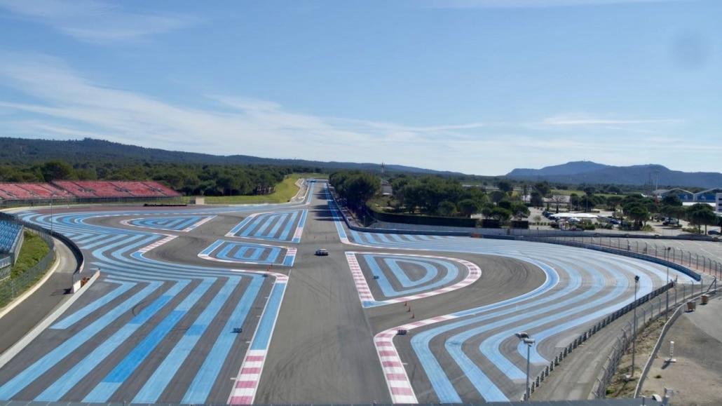 Prise De Vue Drone Circuit Du Castellet | chicane du mistral en vue aérienne | Chef Op Aérien | réalisation de vues aériennes du circuit du Castellet | prestation drone automobile