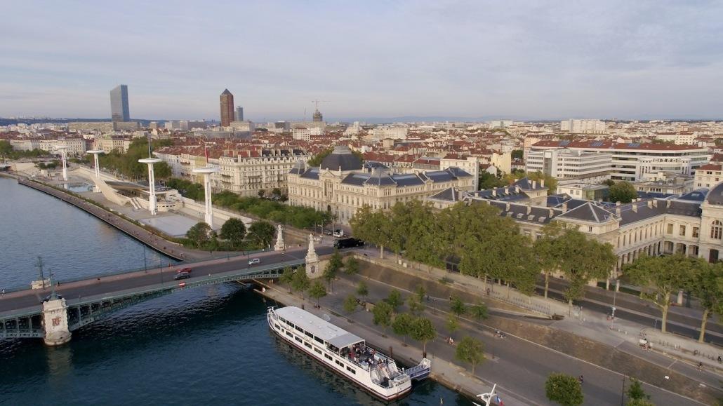 Vidéo Par Drone à Lyon | Entreprise Drone Lyon | Services De Prises De Vues Aériennes Par Drone Lyon